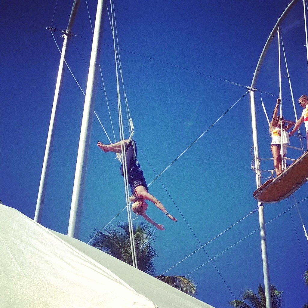 Club Med Me Trapeze